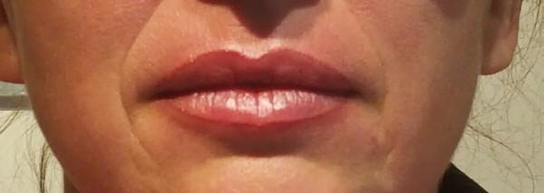 Maquillage semi-permanent du contour des lèvres   (photo réalisée juste après la prestation).